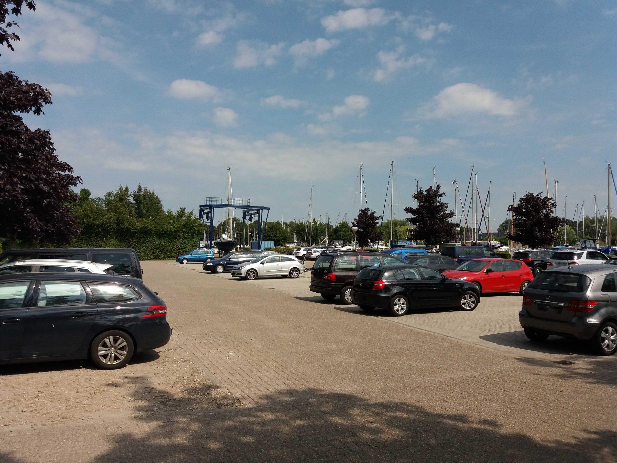 Parking Jachthaven De Lemsterpoort