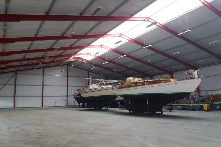Winterstalling binnenruimte voor 150 boten