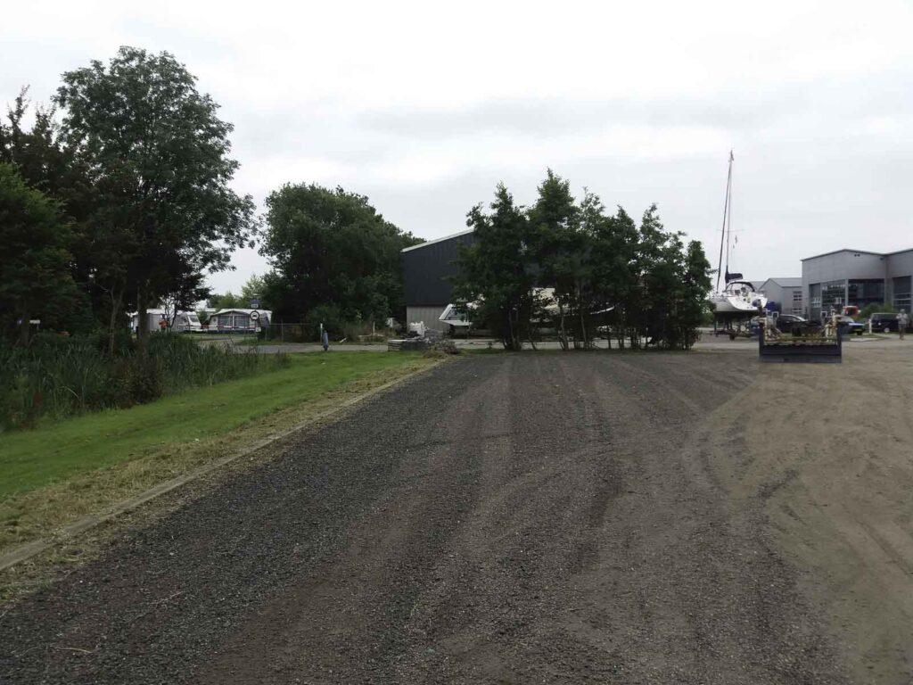 Meer parkeerplaatsen jachthaven Lemsterpoort
